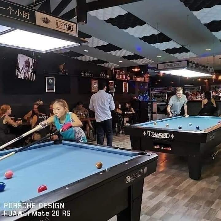 restaurant sports bar café - 5