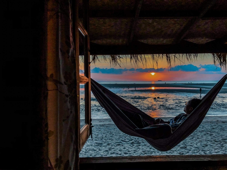 stunning location beachfront resort - 11
