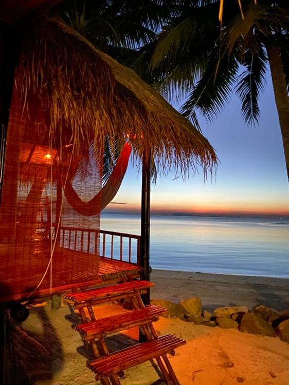 stunning location beachfront resort - 12