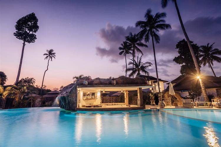 superb resort's restaurant pool - 8