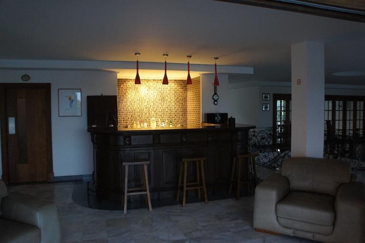 10 bedroom property ideal - 10