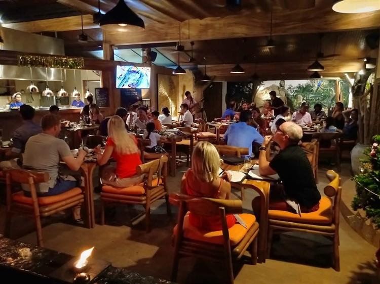 well establish resort restaurant - 6