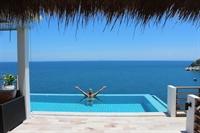 luxury pool villas business - 3