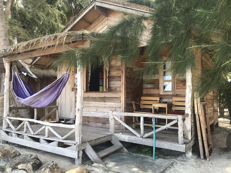 stunning location beachfront resort - 8
