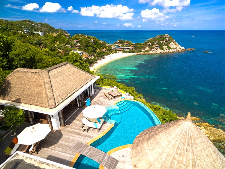 luxury pool villas business - 14
